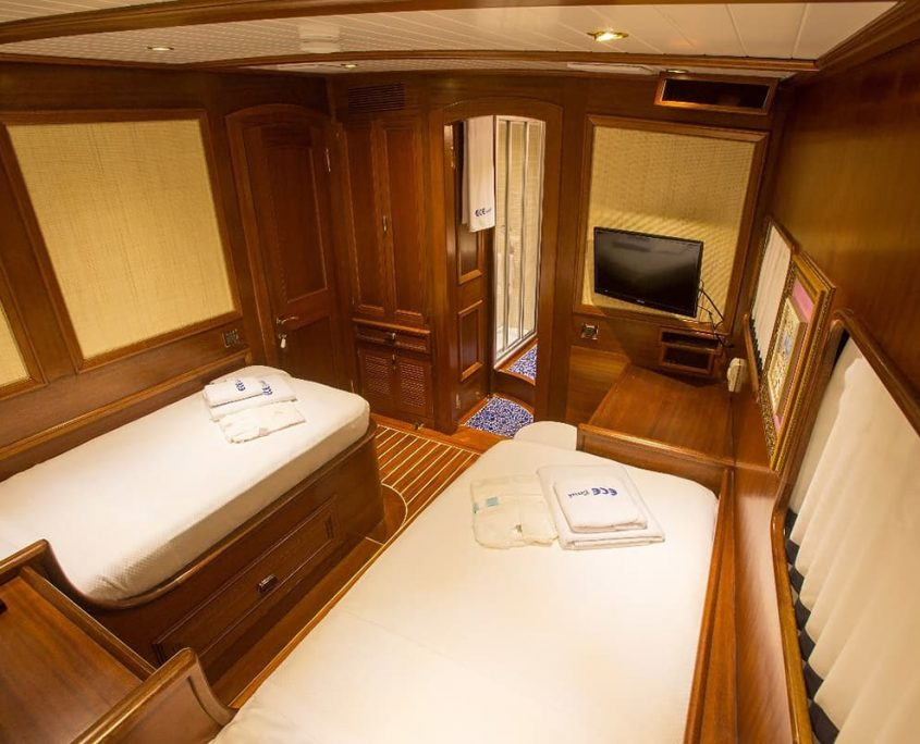 ECE BERRAK Twin cabin