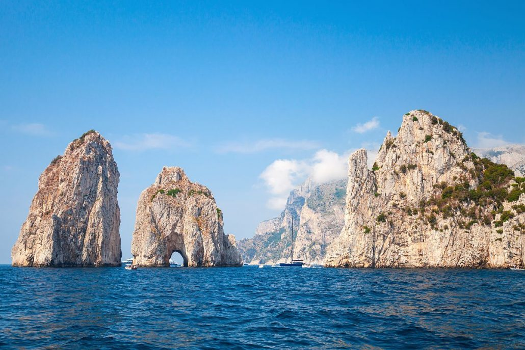 Faraglioni-rocks-Capri-island-Italy