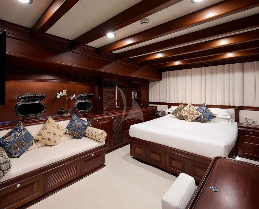 RIANA Double cabin