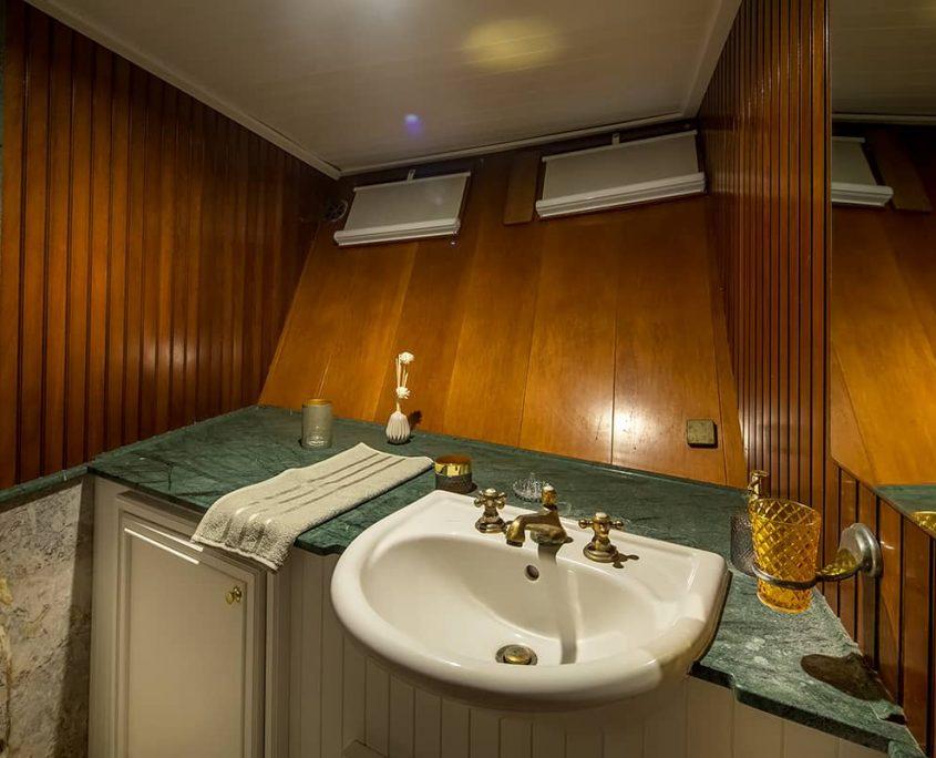 SUMMER PRINCESS Bathroom view