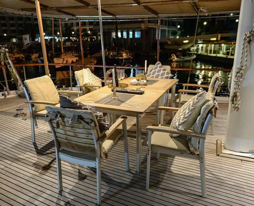 SUMMER PRINCESS Dining area on Aft deck