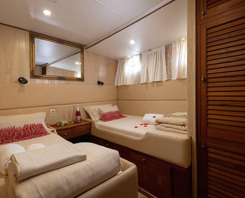 ABORDA Twin cabin