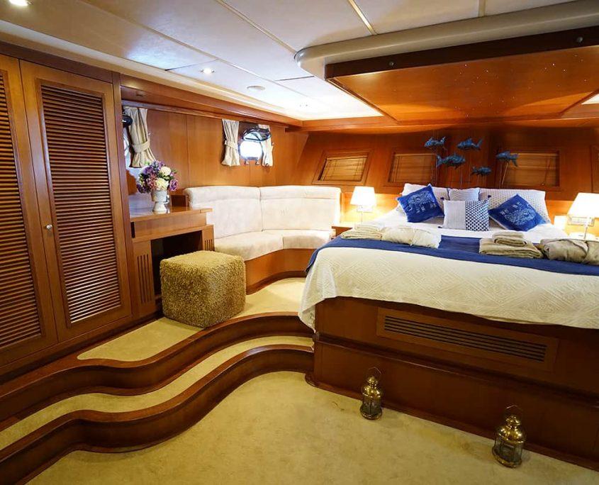 ARABELLA Master cabin view