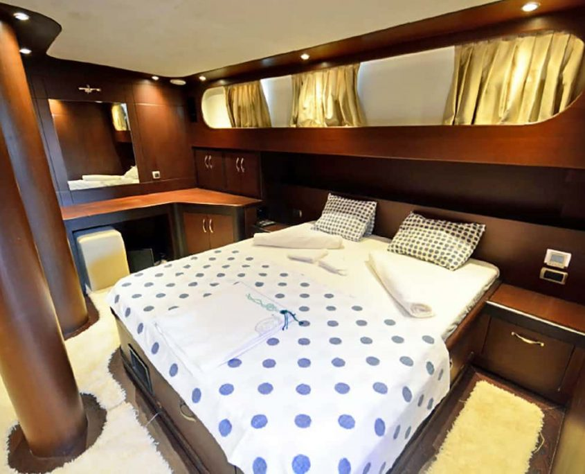 ARTEMIS & SIMAY Master cabin (2)