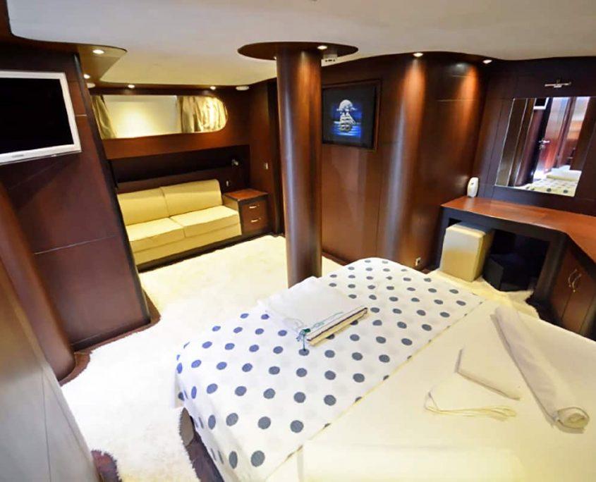 ARTEMIS & SIMAY Master cabin (3)