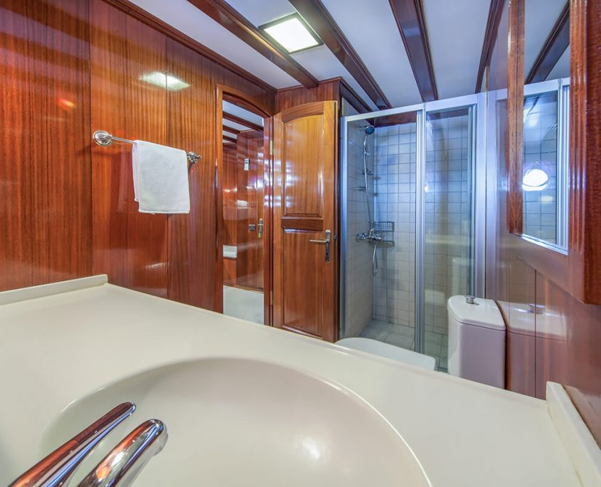 STELLA MARIS Bathroom