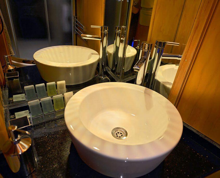 DERIN DENIZ Bathroom