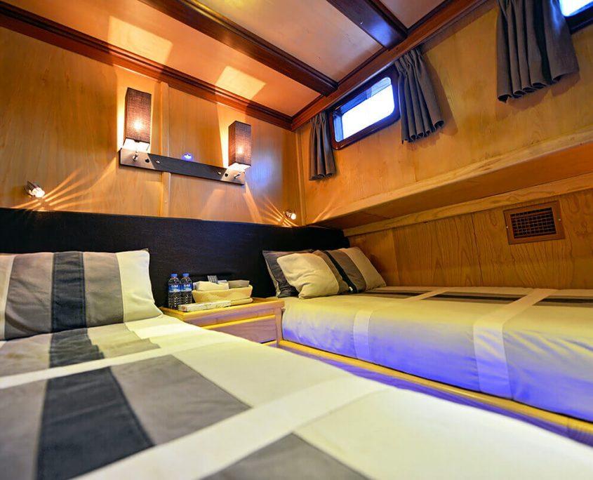 DERIN DENIZ Twin cabin