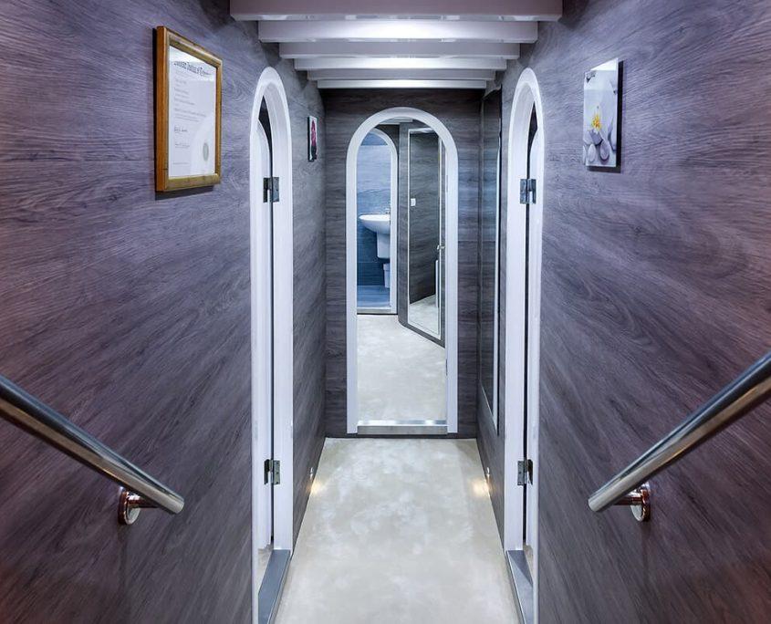 ANĐEO Hallway
