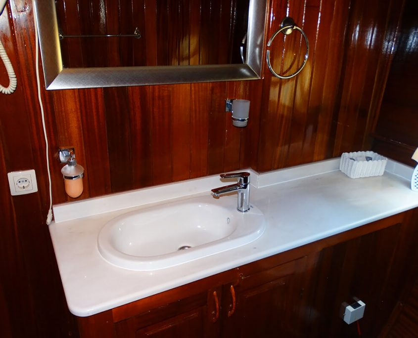 KADENA Bathroom