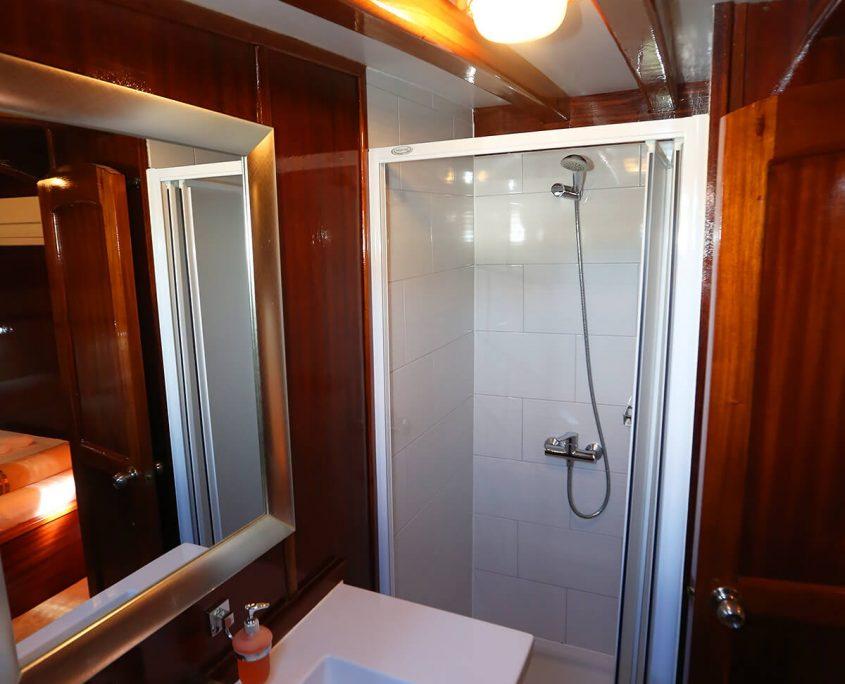 KADENA Bathroom view