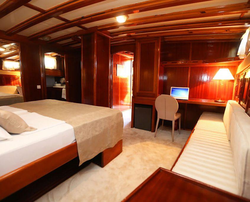 KADENA Master cabin