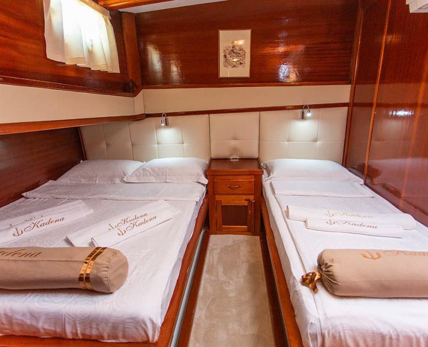KADENA Twin cabin