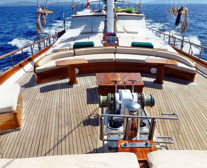 KAPTAN YILMAZ 3 Front deck
