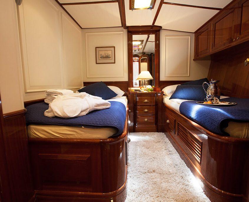 LAURAN Twin cabin