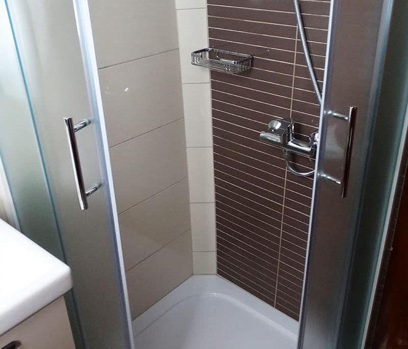 MALENA Shower
