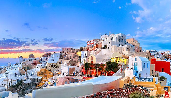 Old-Town-of-Oia-Santorini