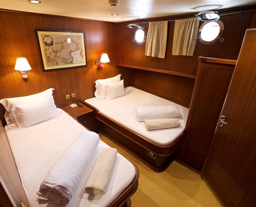 QUEEN OF ADRIATIC Twin Cabin