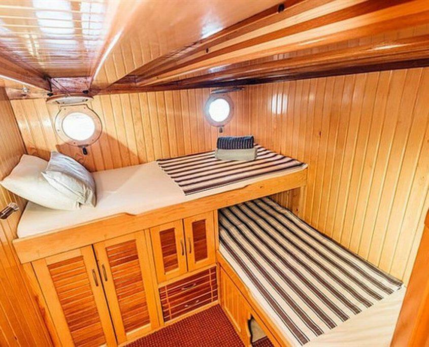 SADRI USTA 1 Cabin view