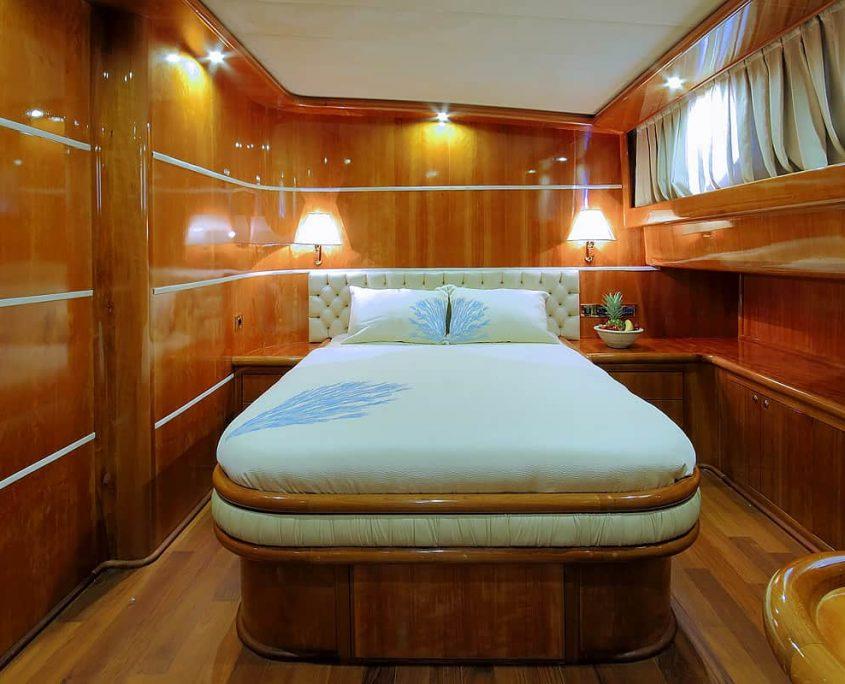 SILVERMOON Guest Cabin