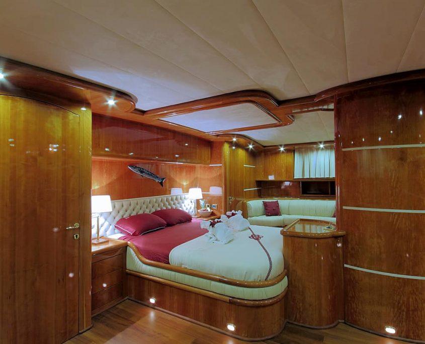 SILVERMOON Master Cabin
