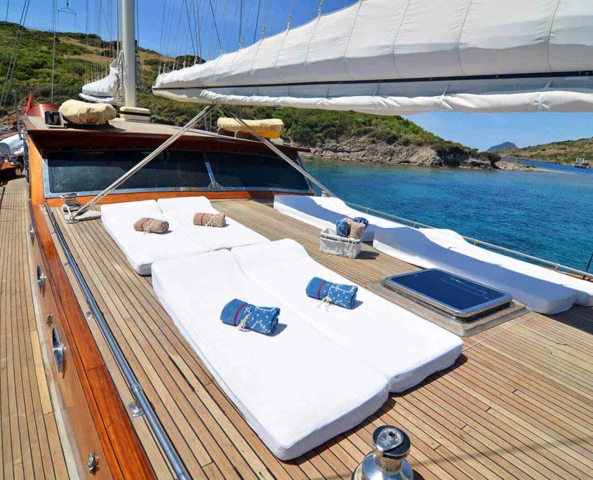 SMYRNA Sun deck