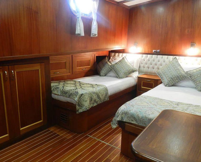 SMYRNA Twin cabin