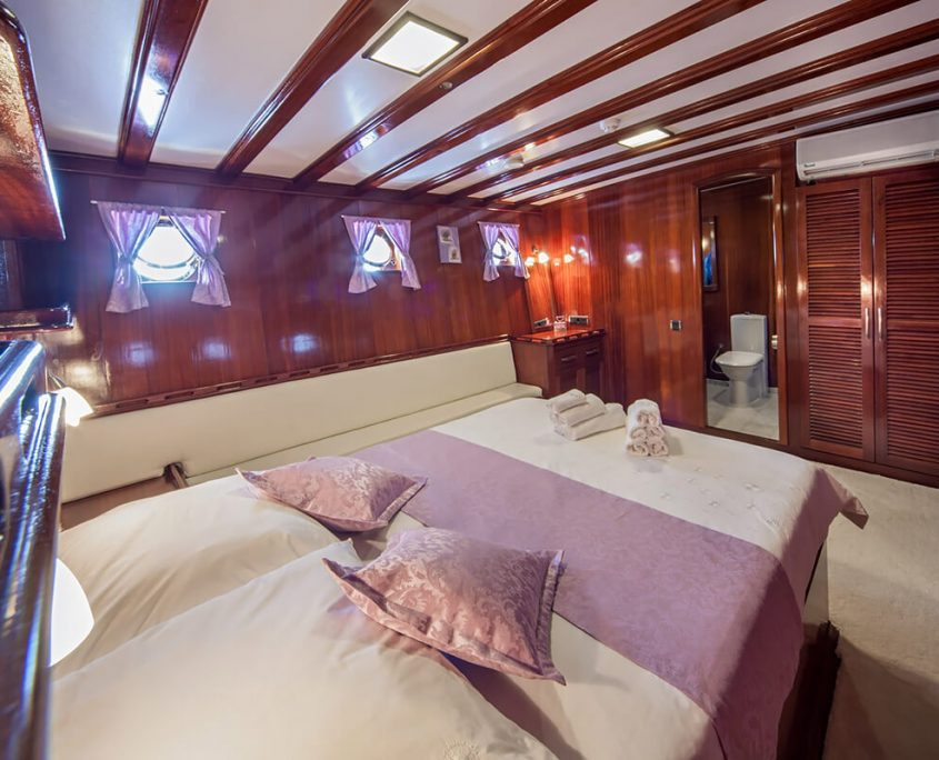 STELLA MARIS Double Cabin