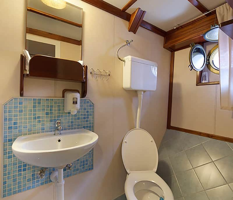 TAJNA MORA Bathroom