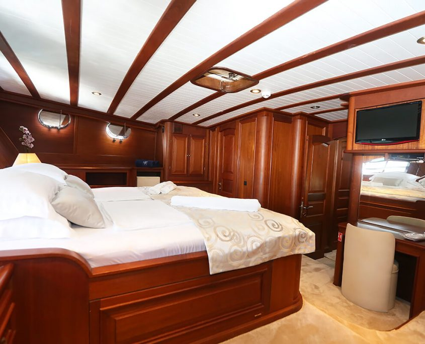 DOLCE VITA View of Master cabin