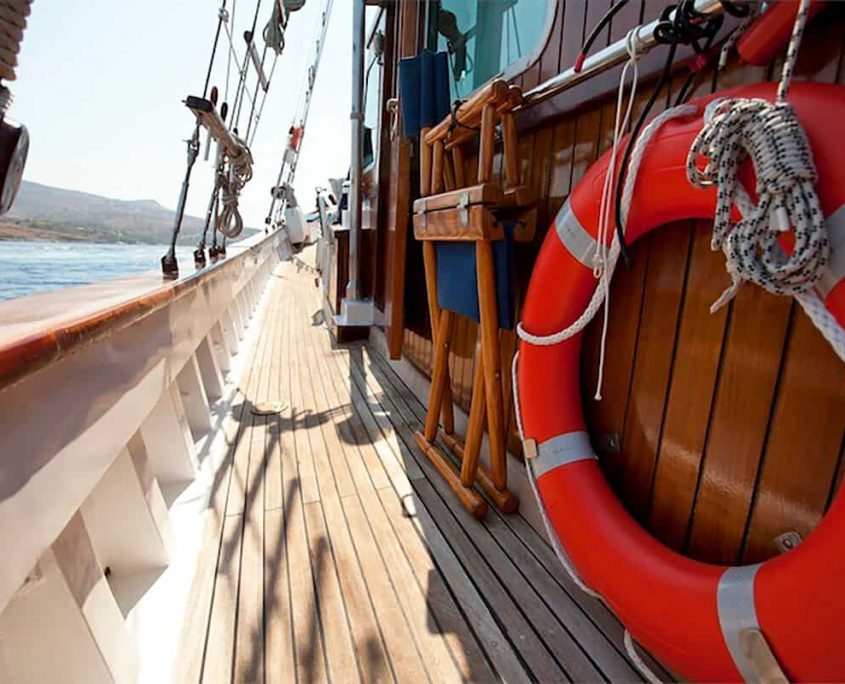 ELEFTHERIA Side deck
