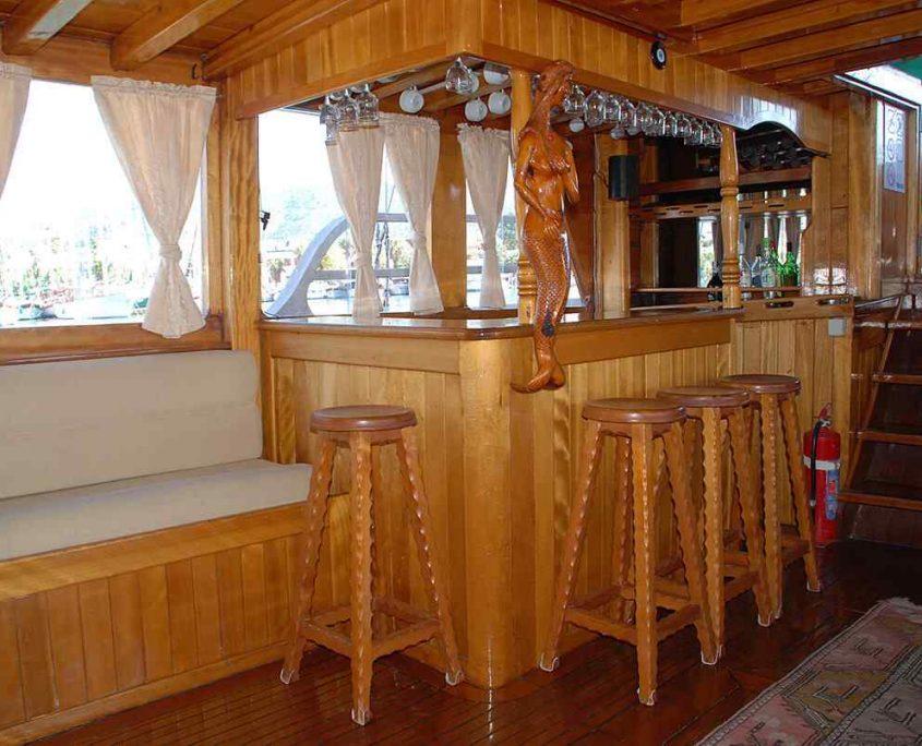 HERA Bar in salon