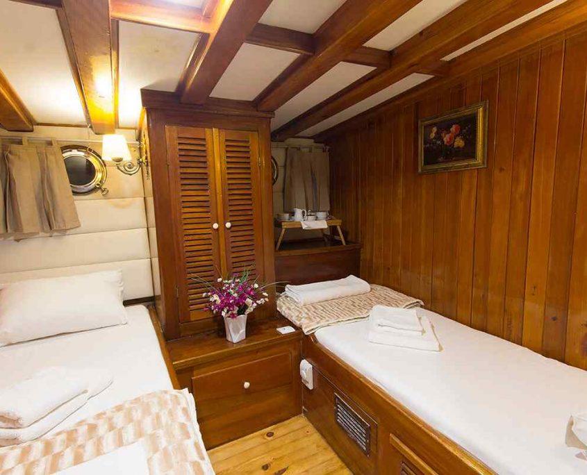 HERA Twin cabin
