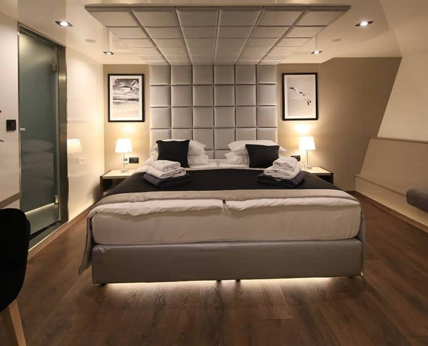 High standard cabin on Rare Avis