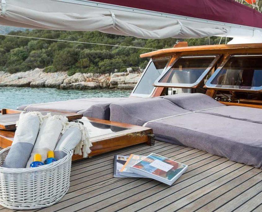 PRIMADONNA Sun deck
