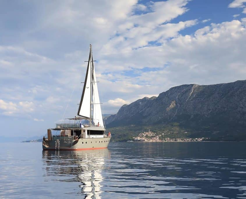 Sailing yacht Rare Avis