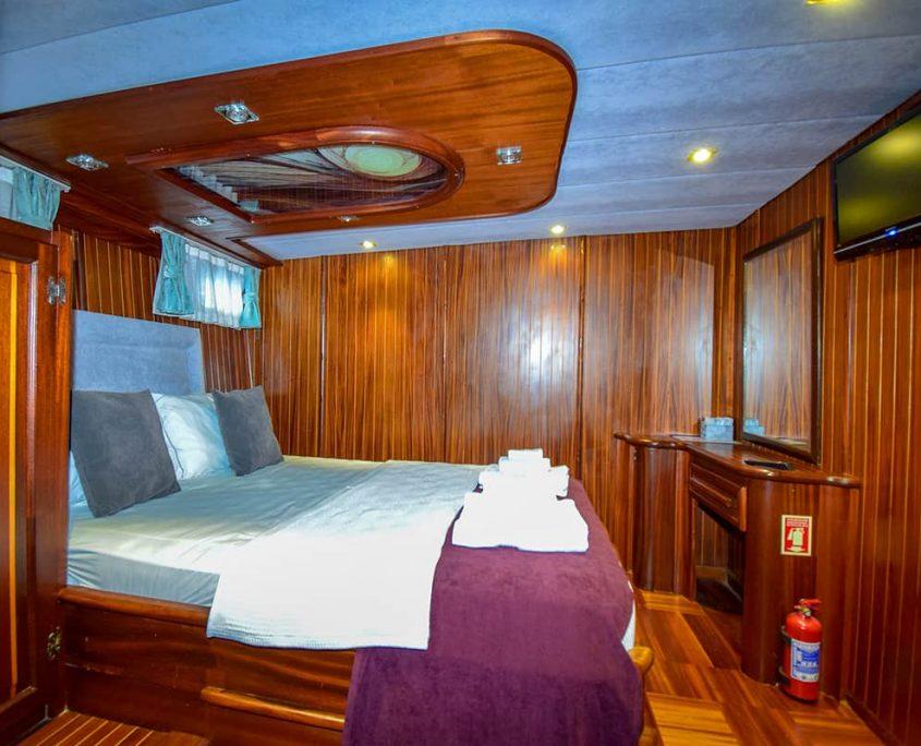 UGUR Double cabin