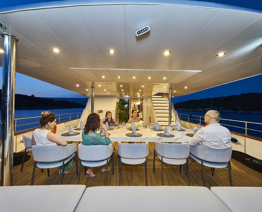 DALMATINO Dining area on Aft deck