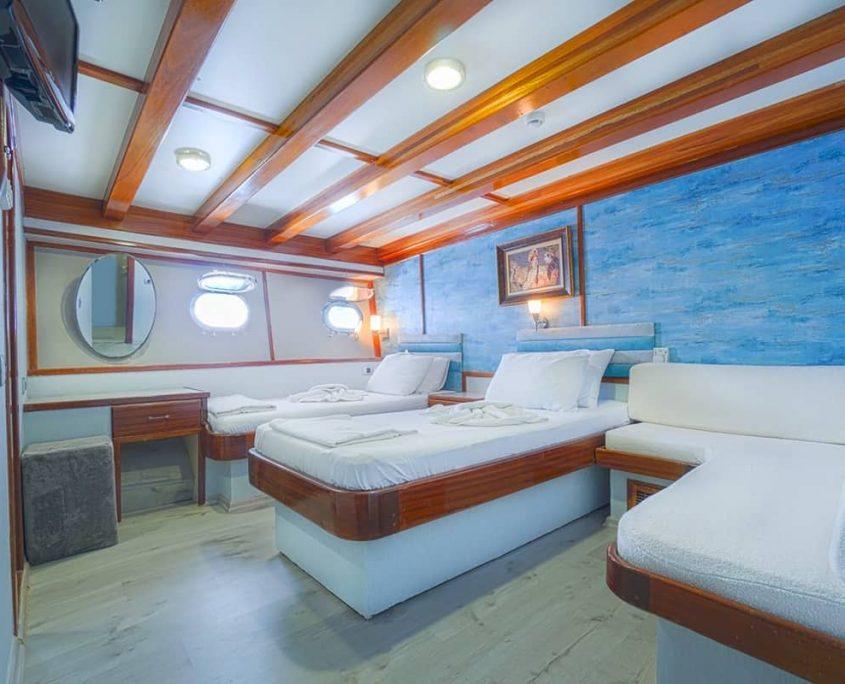 ELARA 2 Double cabin