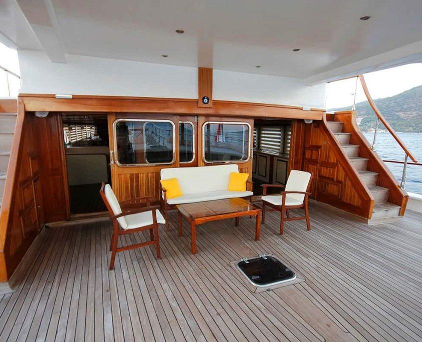 ELARA 2 Sitting area on deck