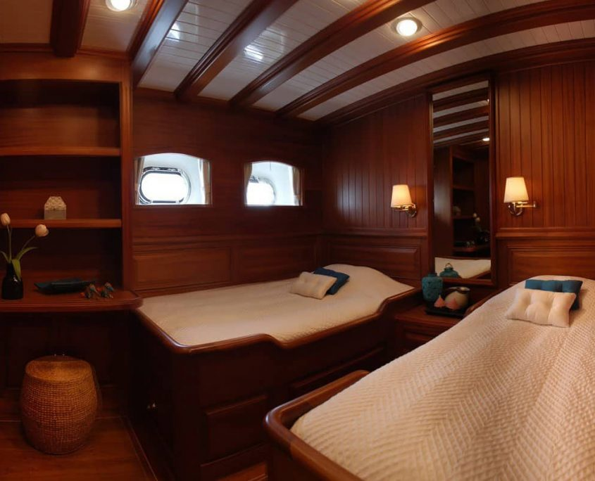 HIC SALTA Twin cabin