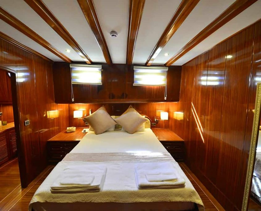 LYCIAN QUEEN Double cabin