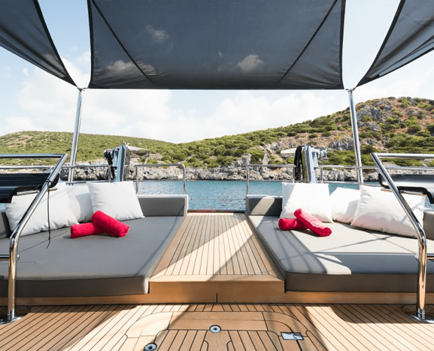 ROX STAR Cushioned area on Aft deck