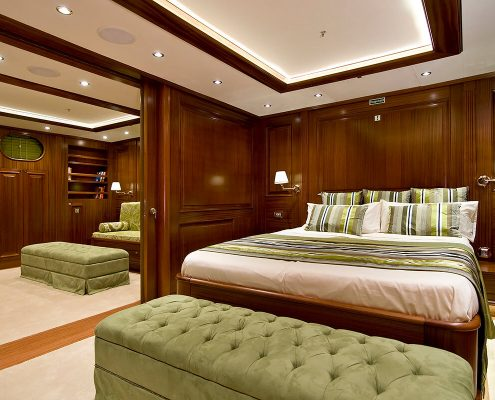 Double-Cabin-with-Queen-Size-Bed