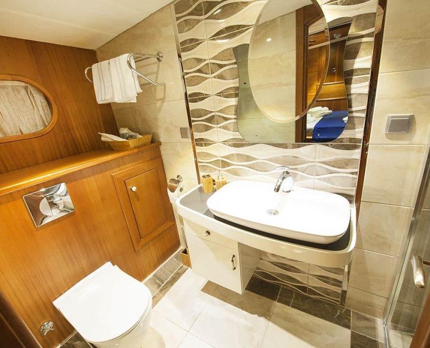 BERRAK SU Bathroom