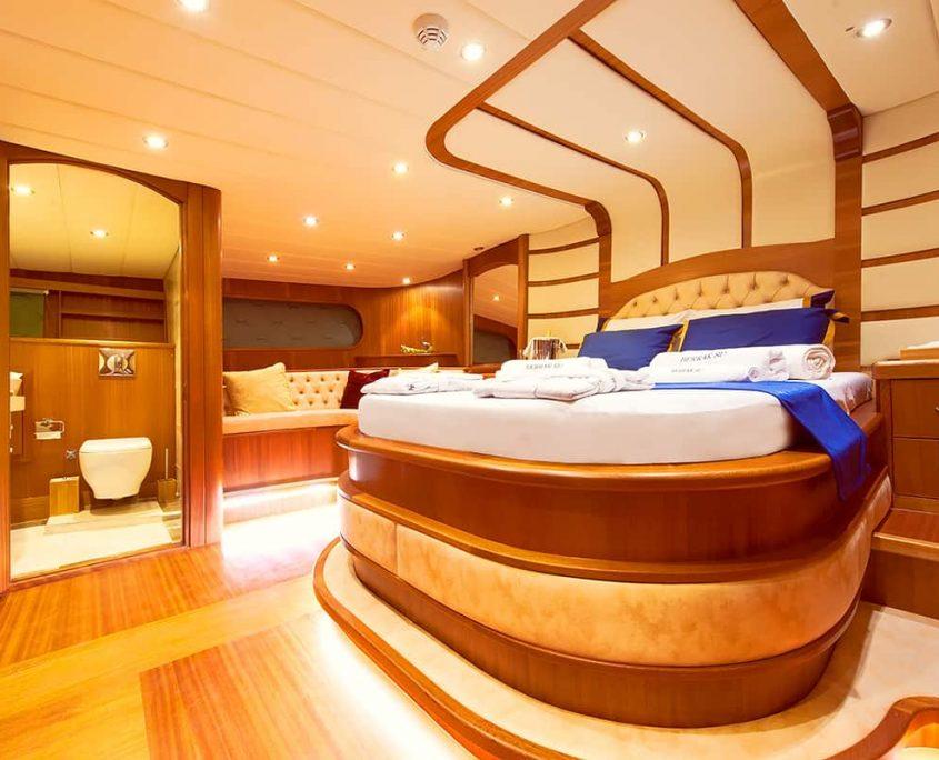 BERRAK SU Master cabin