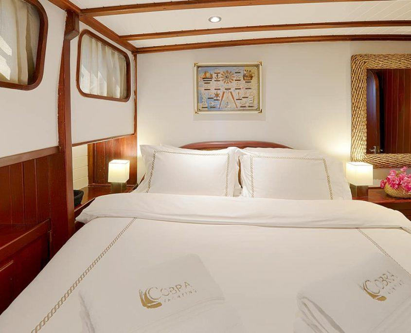 COBRA 3 Cabin