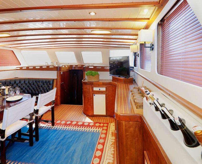 COBRA 3 Salon
