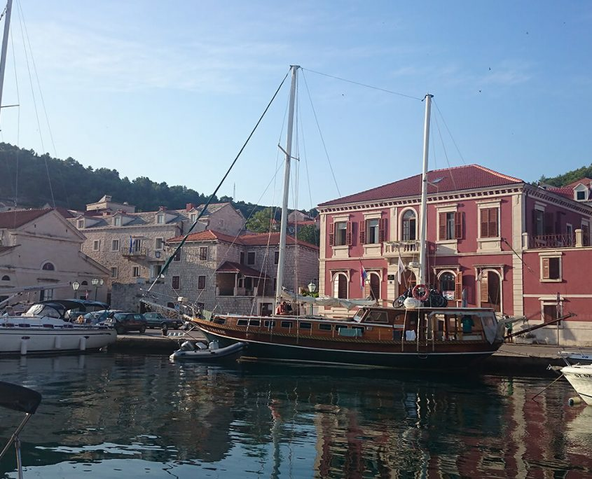 VILA VRGADE In Port
