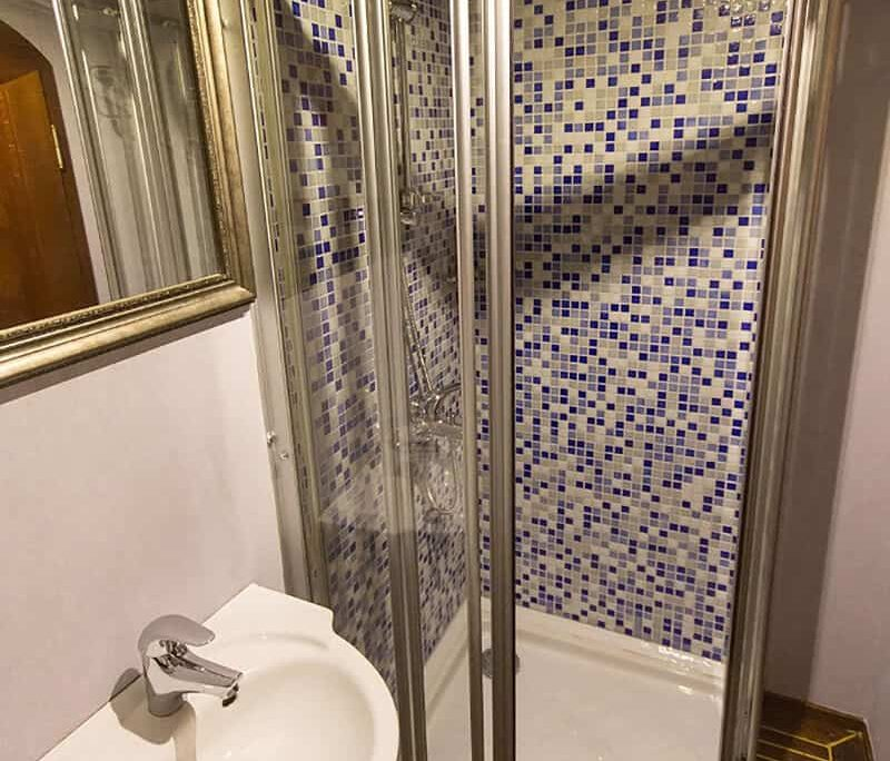 KARIA Bathroom